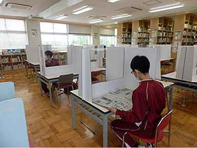 導入事例 新潟市立小新中学校様(図書館)2